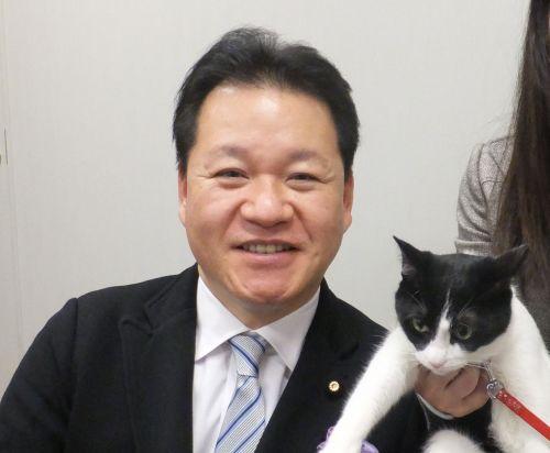 参議院議員 尾立源幸先生と猫ジャンヌダルク 500
