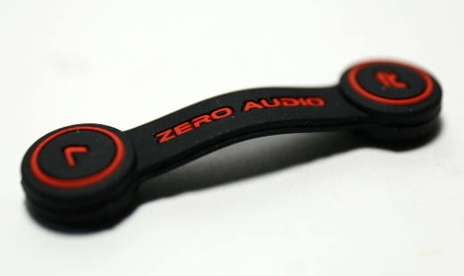 ZERO AUDIO ヘッドホンクリップ 03