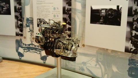 スバルエンジン展示