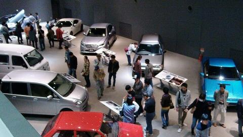 スバル車展示場2