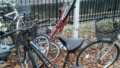 スバル期間工寮の駐輪場の自転車