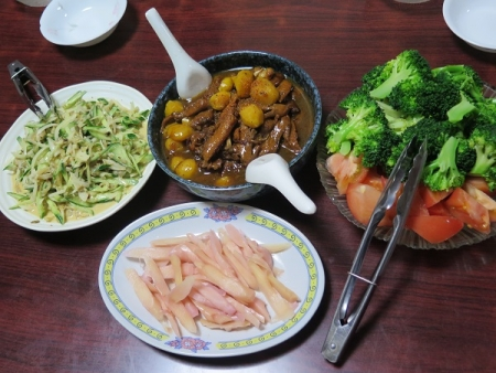 栗と手羽先の先っぽ煮、岩下の新生姜、ブロッコリーとトマト