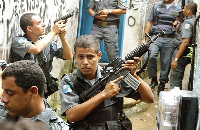 rio_de_janeiro_police-ashz-100505.jpg