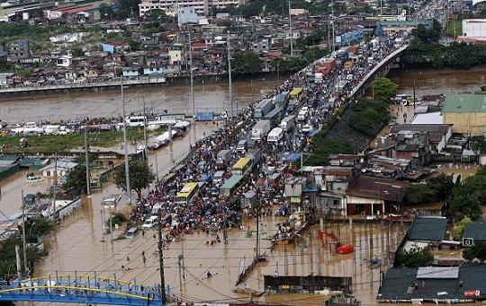 ss-090926-philippine-flood-10ss_full1.jpg