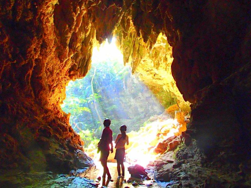 西表島ケイビング・鍾乳洞探検