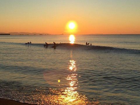 初日の出サーフィン