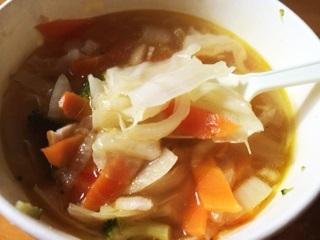 野菜スープスプーン
