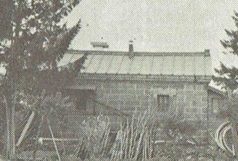 平岸百拾年掲載 リンゴ倉庫写真