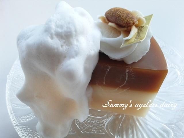 ケーキ石鹸 泡