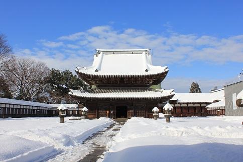 雪の瑞龍寺