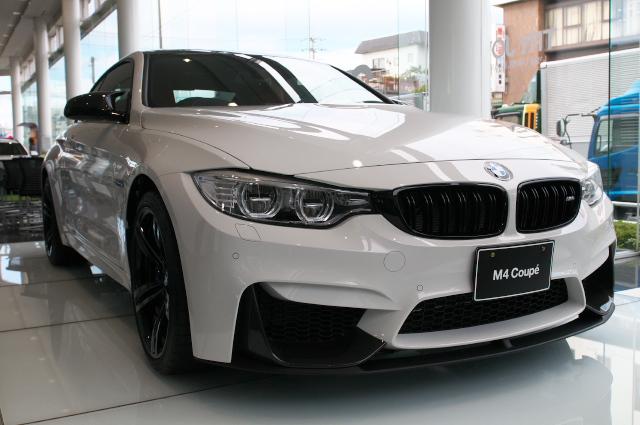 BMW/M4-01
