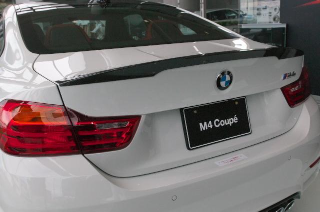 BMW/M4-02