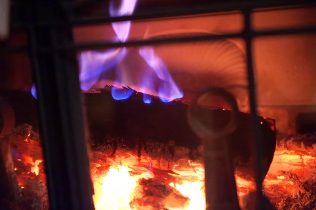 薪ストーブの燃焼-01