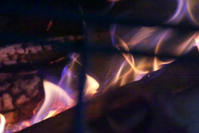 薪ストーブ燃焼の炎-04