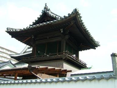 本泉寺鐘楼