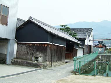 陣屋移築門2