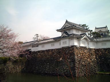 本丸門と隅櫓
