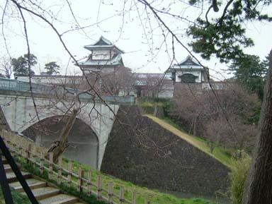 金沢城石川門遠望