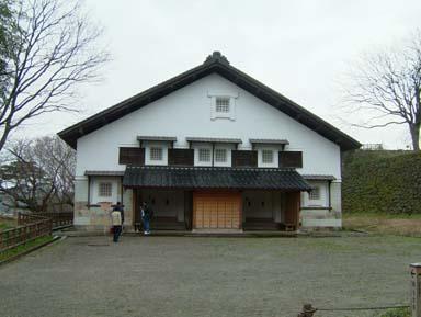金沢城鶴丸倉庫入口