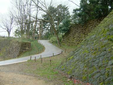 金沢城本丸への道