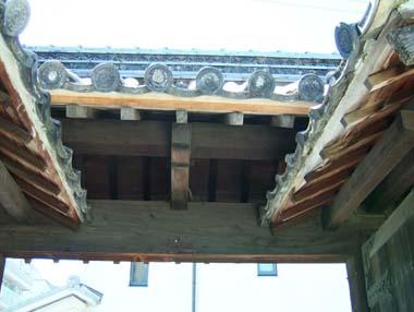 高槻城移築高麗門屋根組
