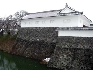 雪の山形城二の丸東大手門渡櫓