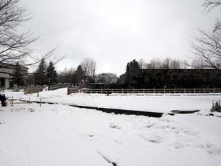雪の山形城本丸一文字門