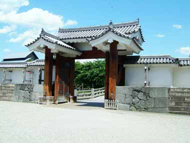 二の丸東大手高麗門(内側から)