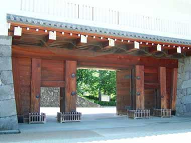 二の丸東大手櫓門(表)