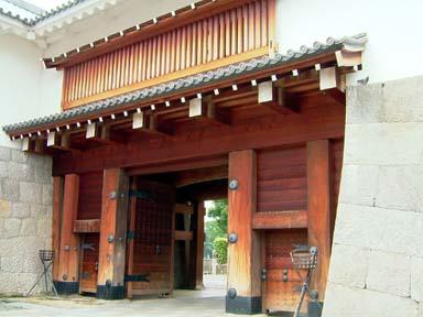 東御門櫓門正面