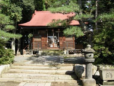 上山城本丸跡に建つ月岡神社