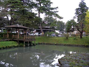 鶴岡城本丸御殿跡に建つ荘内神社
