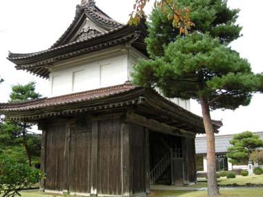 松山城大手門側面