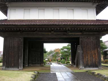 松山城大手門裏側