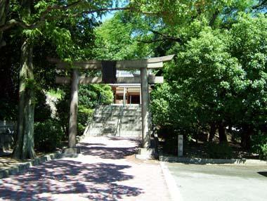 迎賓館庭の旭神社鳥居