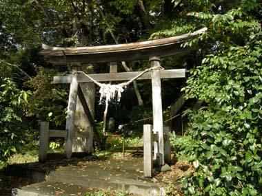 成生城本丸跡に建つ竜頭神社
