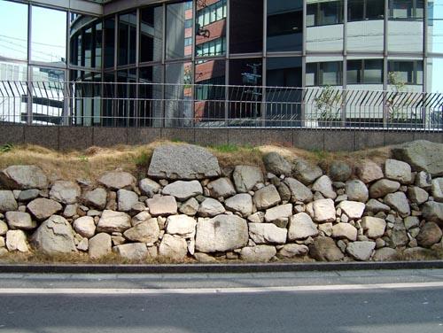 秀吉時代の石垣(女性総合センター前)