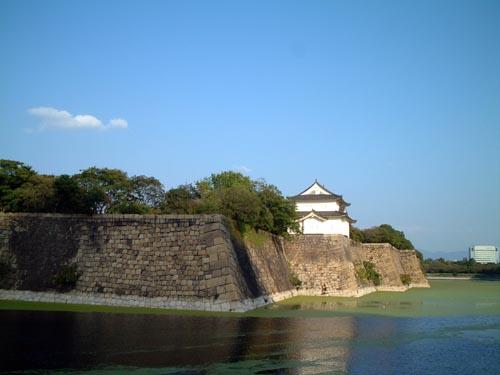 六番櫓西面と堀