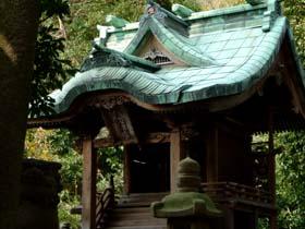 楠神社本殿