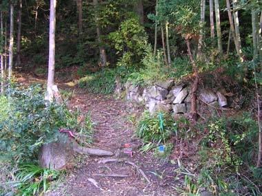 天童城南郭への西側登口
