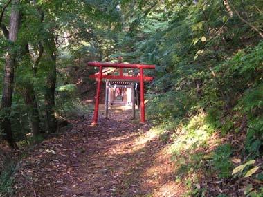 天童城南郭下曲輪の又七稲荷神社