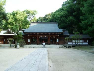 四條畷神社拝殿正面