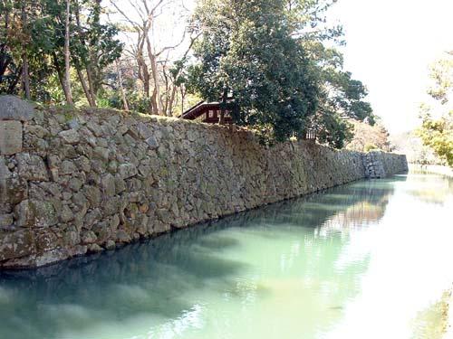 姫山公園内堀と石垣