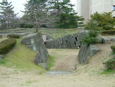 福井城天守台石垣入口