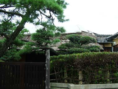麻田陣屋移築門1(N氏邸内)