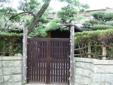 麻田陣屋移築門2(N氏邸内)