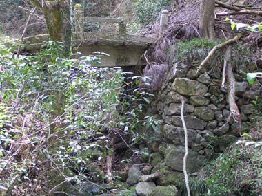 旧参道の石橋