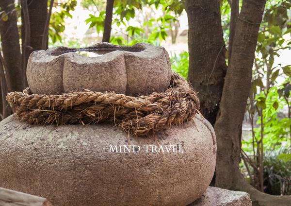交野天神社 国栄石
