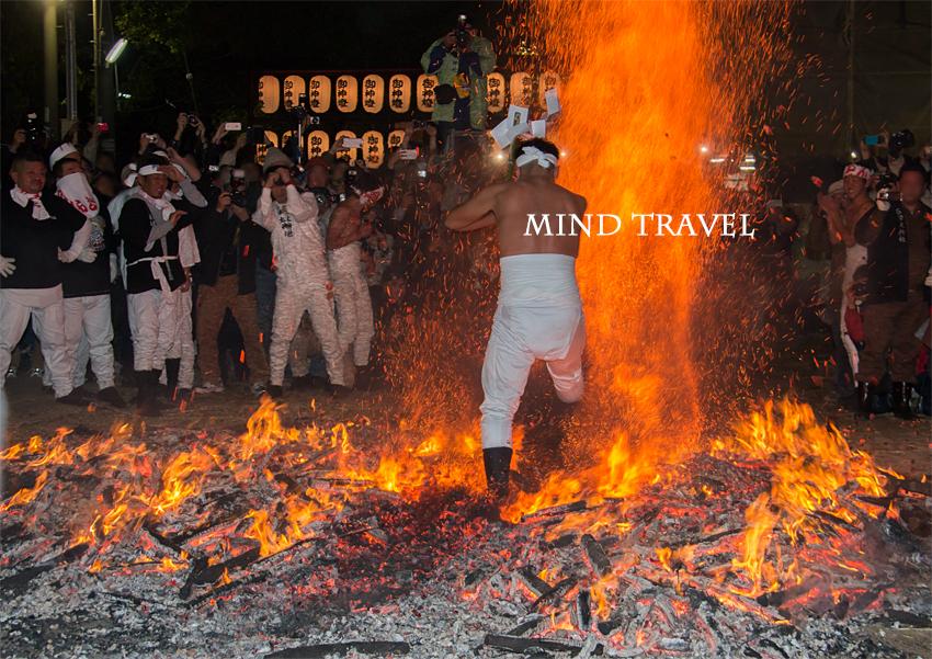 石津太神社 やっさいほっさい 火渡