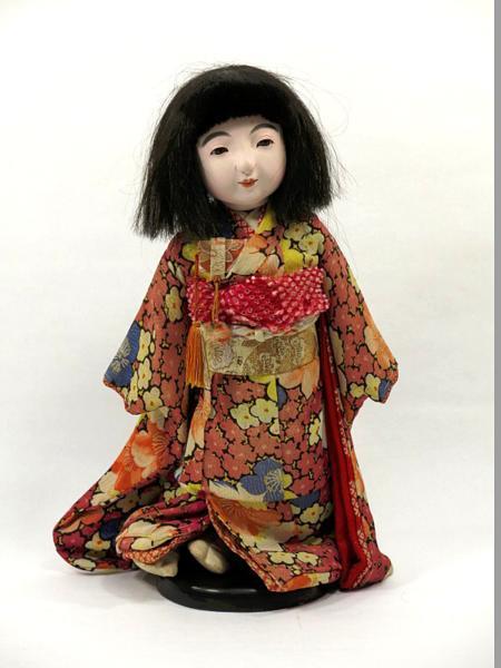 古い市松人形 女の子